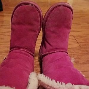 Bear paw boots size 7, pink